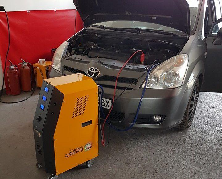 Водородно почистване на двигател на Toyota